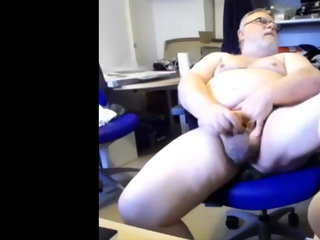 cums Paterfamilias cums on cam daddy